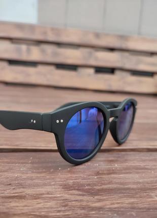 Трендовые очки rayflector london