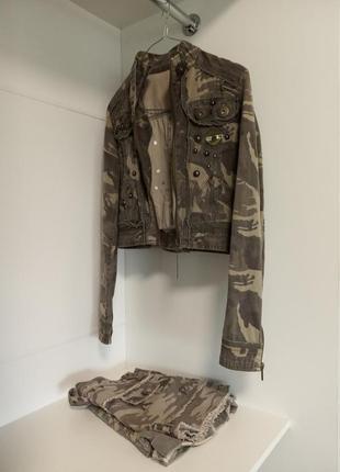 Очень стильный пиджак милитари