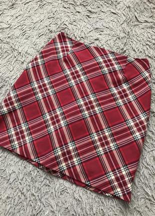 Стильная красная мини юбка в клеточку