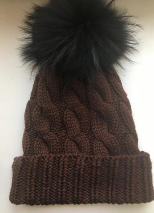 Вязаная шапочка из мериноса