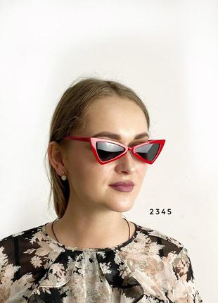 Модные красные ретро - солнцезащитные очки с черными линзами кошечка 2021