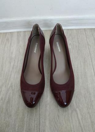 Шикарные туфли бардового цвета р.38 на не большом каблуке