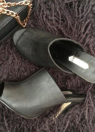 Стильные и аккуратные кожаные туфельки
