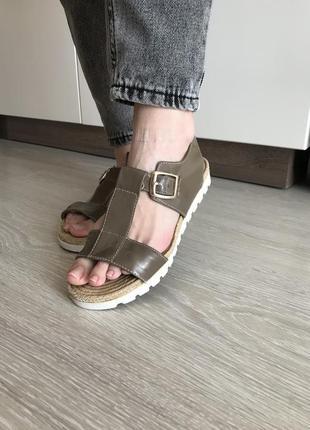 Босоніжки босоножки сандалі
