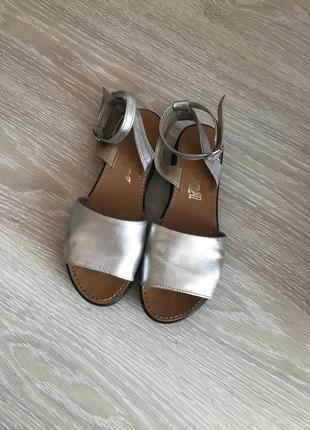 Босоножки босоніжки сандалі кожа шкіра