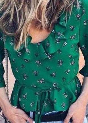 Зеленый укороченный топ блуза цветочный принт