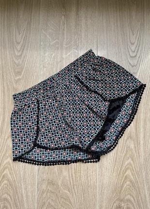 Легкие летние шорты befree