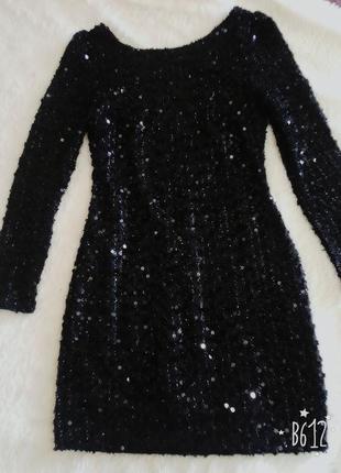 Платье в паетка