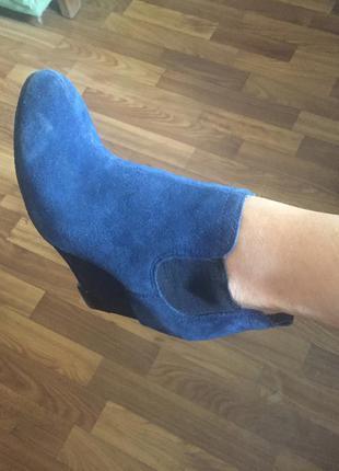 Удобные замшевые ботиночки
