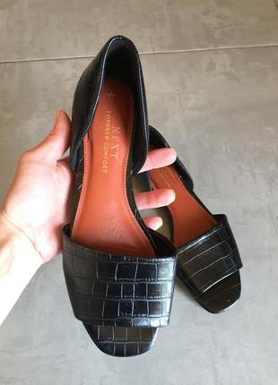 Босоножки, туфли, шлёпанцы