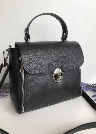 Черна кожаная  сумка через плечо кросбоди чемоданчик италия