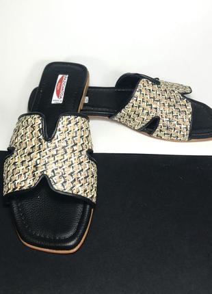 Итальянские кожаные шлепки от известного бренда spaziomoda.