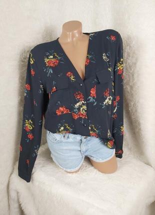 Очень красивая блуза рубашка на пуговица
