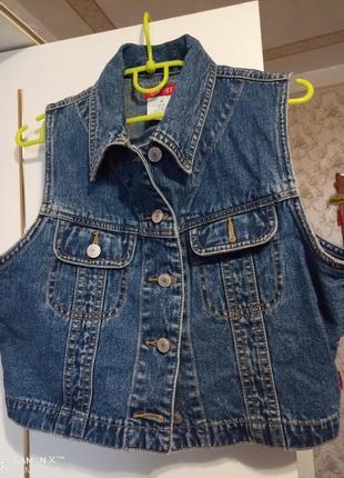 Вкорочена джинсова жилетка