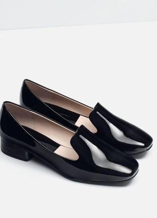 Черные лаковые туфли лоферы, слиперы