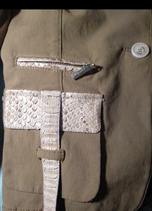 Пиджак девчачий  винтаж с  крокодиловыми и шелковыми  вставками, оригинал.3 фото