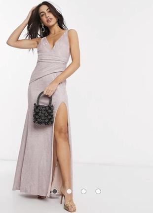 Розовое платье макси с v-образным вырезом и разрезом goddvia