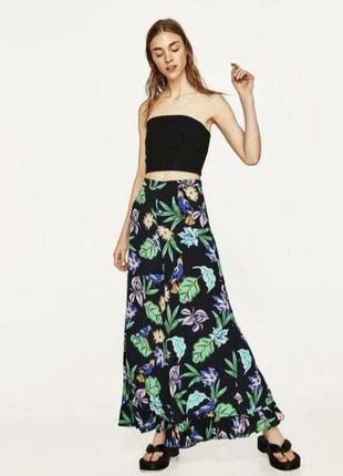 Яркие широкие штаны брюки кюлоты с цветочным тропическим принтом и рюшей
