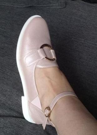 Босоножки, сандали  с закрытым задником