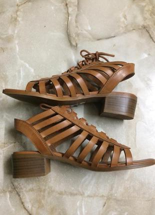 Босоножки на шнуровке кожа размер 37