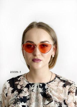 Коралові очки в золотистій оправі к. 2339-1