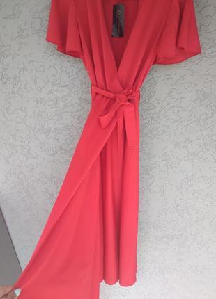 Красное длинное платье с разрезрм