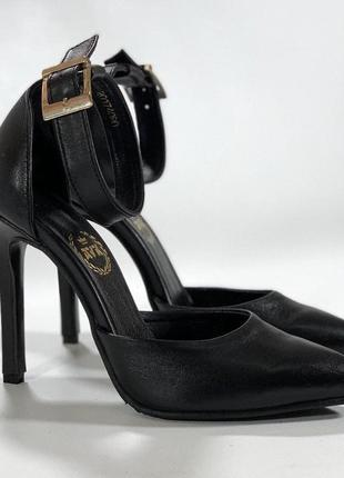 Женские босоножки кожаные черные на каблуке шпильке