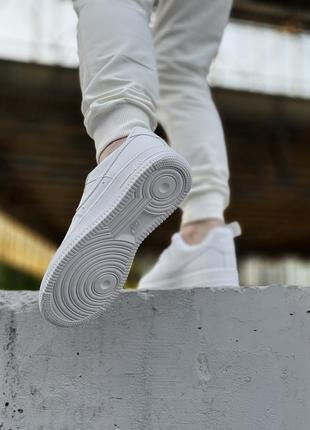 Шикарные мужские кроссовки nike air force 1 low white белые кросівки5 фото
