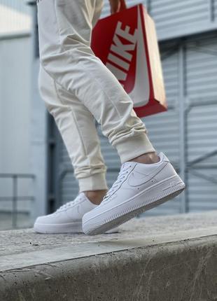 Шикарные мужские кроссовки nike air force 1 low white белые кросівки10 фото