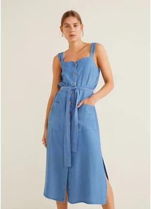 Платье сарафан из мягкого денима mango