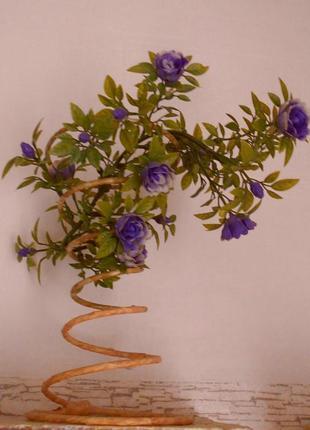 Цветы искусственные на подставке