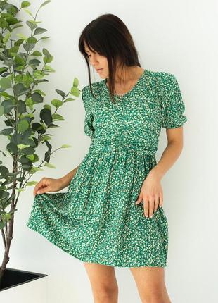 Модное платье с акцентированной талией цветочный принт