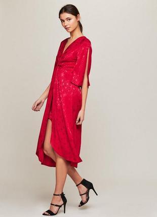 Новое шикарное сатиновое красное жаккардовое платье миди с разрезом