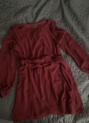 Шифоновое платье цвета марсала