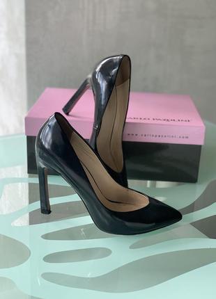 Чёрные туфли carlo pazolini