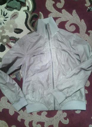 Осіння фірмова  курточка