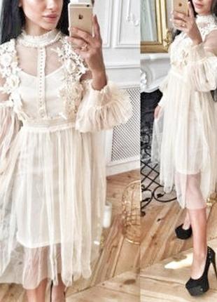 Фатиновое воздушное светлое платье с  цветами