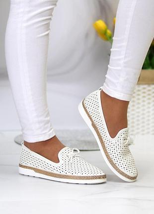 Летние женские белые  туфли мокасины с перфорацией