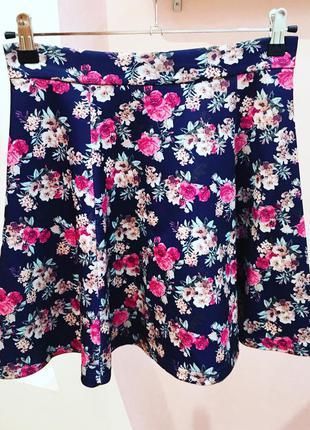 Шикарная цветочная юбка stradivarius