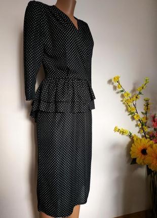 Винтажное платье в горошек , с баской