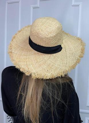 Соломенная шляпа на завязках с лентой кепка