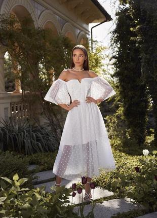 Белое воздушное свадебное, венчальное, вечернее платье с открытыми плечами6 фото