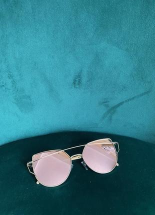 Стильные солнцезащитные очки4 фото