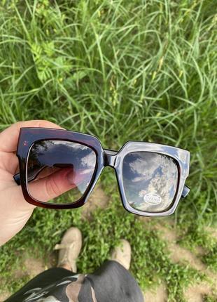 Очки солнцезащитные бренд