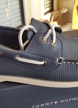 Tommy hilfiger оригинал 41 ст.26 см новые кожаные топсайдеры туфли