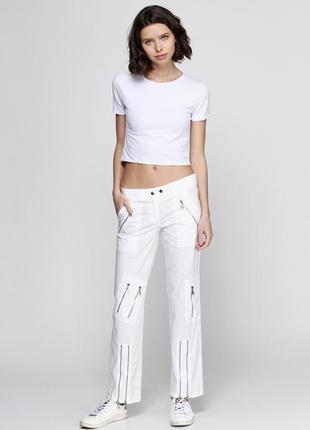 Новые легенькие женские штаны.