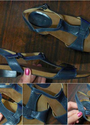 Фирменные кожаные босоножки от footglove