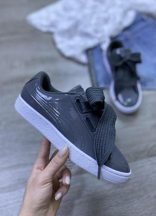 Шикарнейшие лаковые кроссовки с шнурками бантами puma