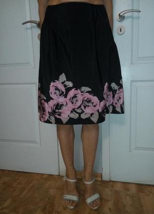 Красивая юбка с цветочным рисунком