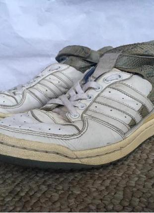 Кроссовки кожаные adidas 37 размера